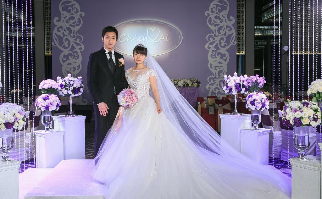 福原愛選手 台北で披露宴 紫色のドレスで記者会見 読んで見フォト 産経フォト