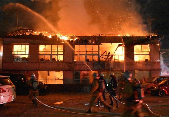 アパート火災、1人死亡 住人の59...