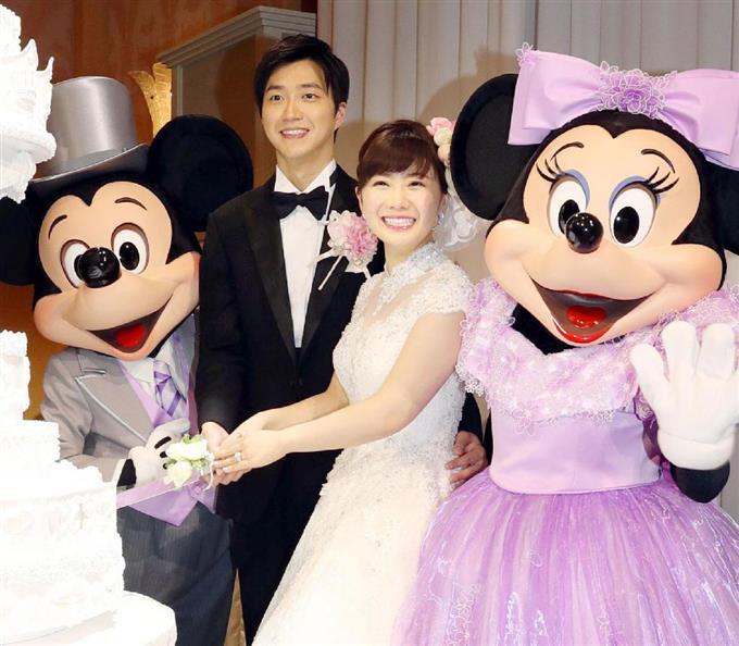 福原愛さんがディズニーリゾートで結婚披露宴 ミッキーも祝福 読んで見フォト 産経フォト