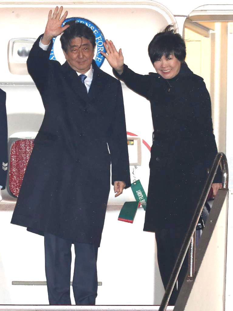 産経フォト for mobile安倍首相、訪米へ出発 11日未明、首脳会談