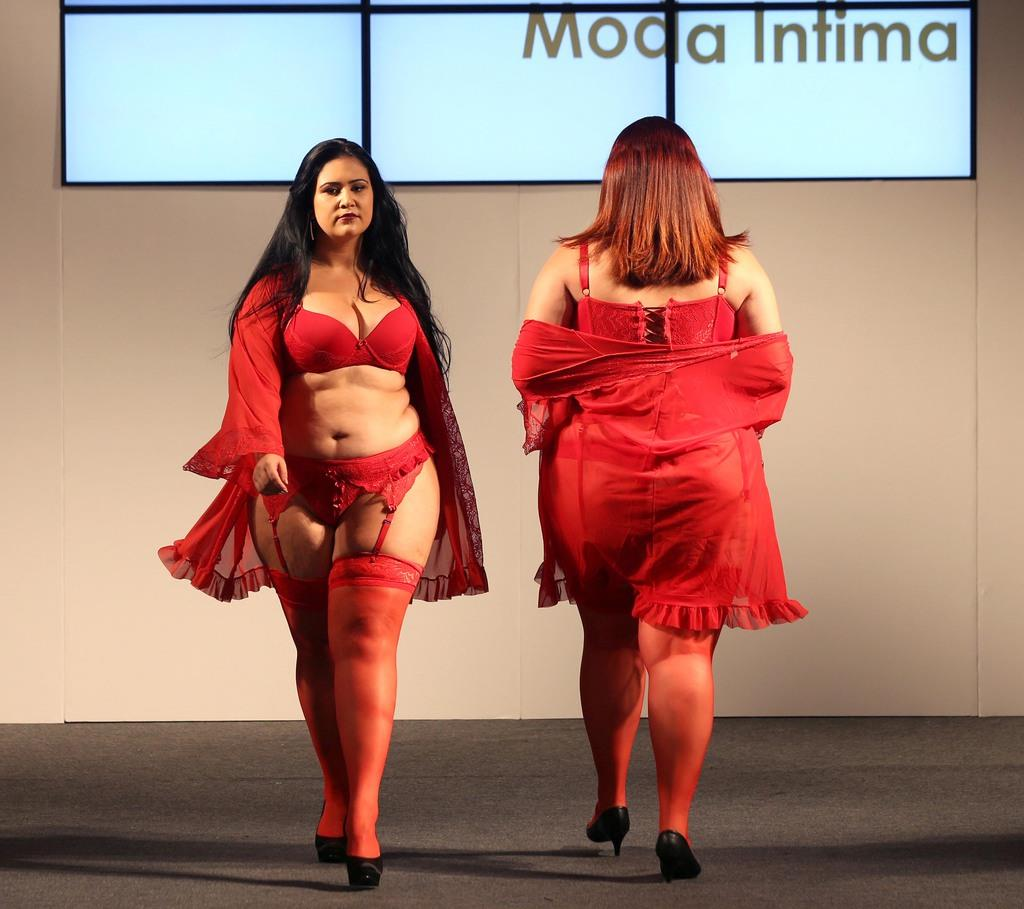 Models present creations from Vislumbre during Fashion Weekend Plus Size in Sao Paulo, Brazil, March 19, 2017. REUTERS/Paulo Whitaker