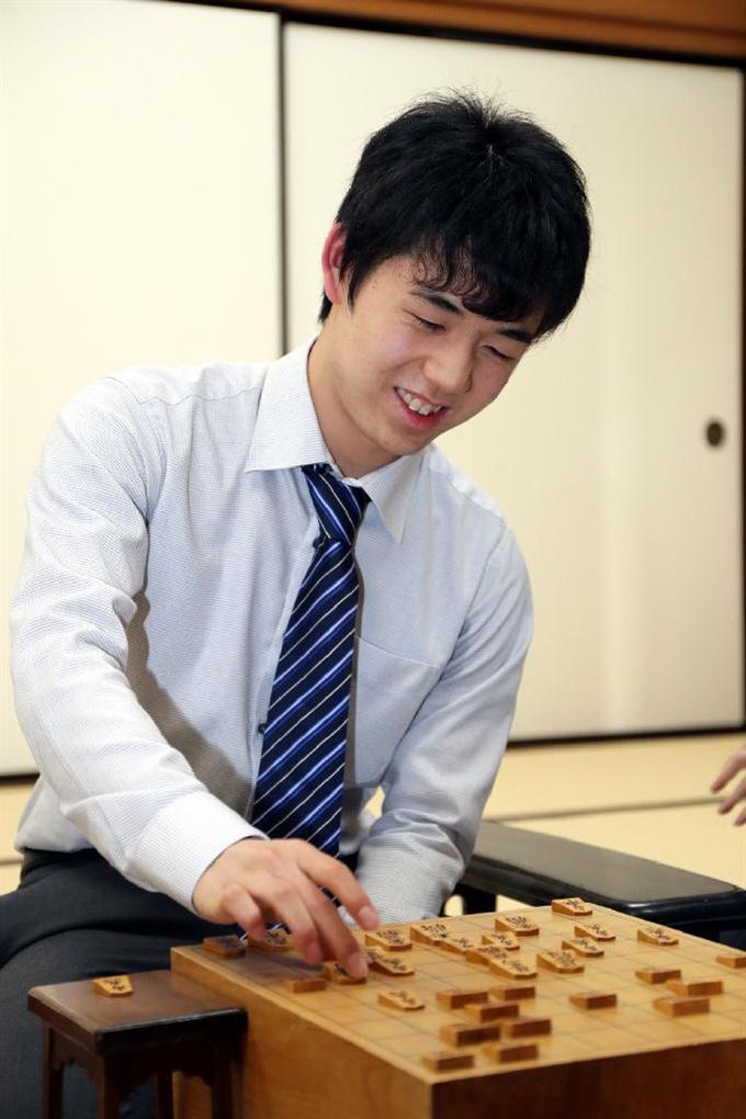 「藤井四段」の画像検索結果