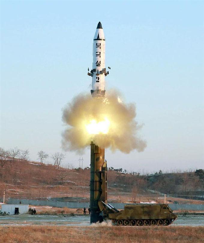 産経フォト北朝鮮が弾道ミサイル発射 高度560キロ、500キロを飛行 サイトナビゲーション北朝鮮が弾道ミサイル発射 高度560キロ、500キロを飛行 PRPRスゴい!もっと見る瞬間ランキングもっと見るPRPRRICOH THETAが記憶する景色PRPR産経スペシャル今週のトピックス話題のランキング