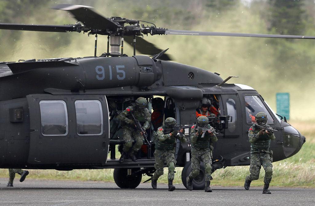 中国軍の侵攻阻止へ 台湾が演習...