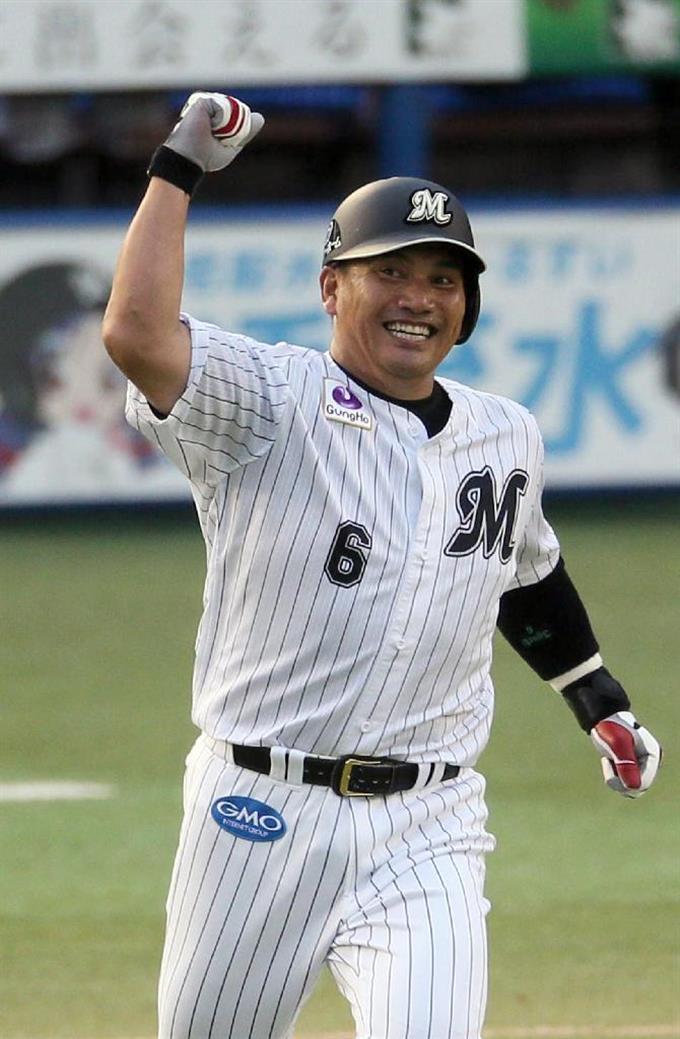 井口資仁、9回に同点弾で引退に...