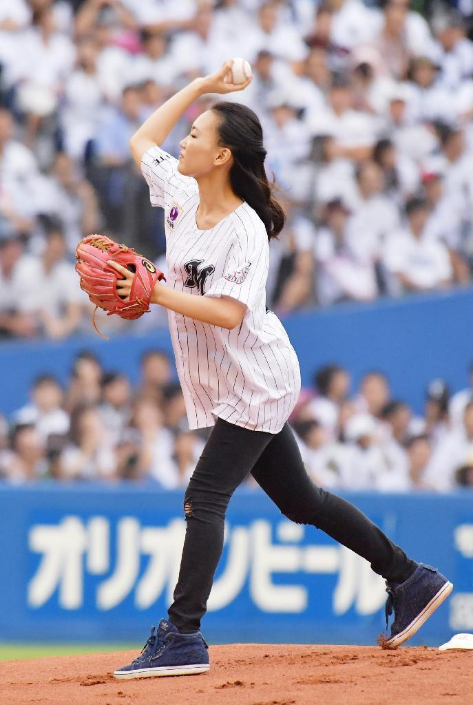 産経フォト井口資仁、9回に同点弾で引退に花 サヨナラ勝ちに笑顔で別れ