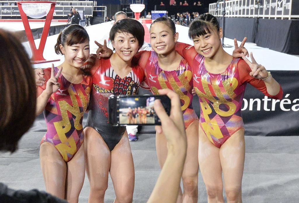 産経フォト村上茉愛、個人総合予選で首位 種目別で寺本明日香、宮川紗江も突破 体操の世界選手権