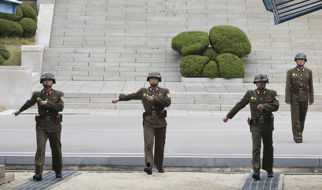 産経フォト板門店で北朝鮮軍人が亡命 銃撃で負傷、交戦起きず