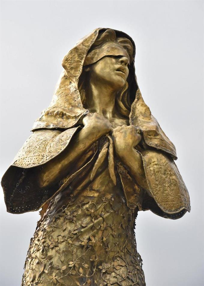【フィリピン】マニラ湾岸の慰安婦像が27日夜、重機で撤去された。日本側のかけた圧力のせいか★2 YouTube動画>8本 ->画像>121枚