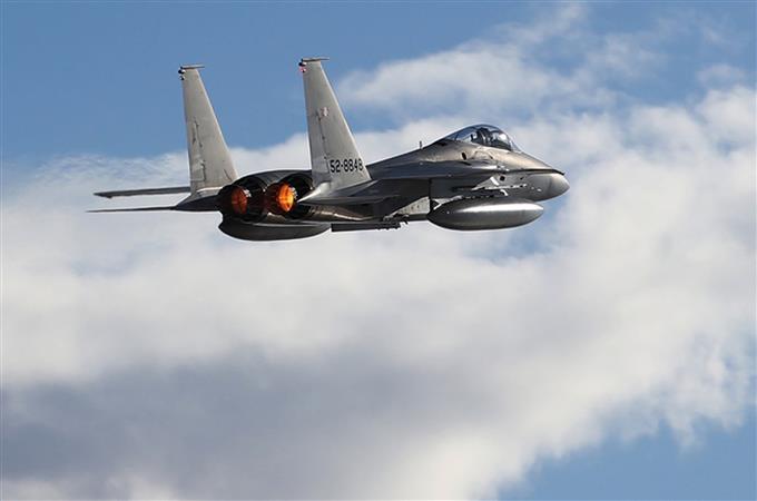 スクランブルに備え 航空自衛隊...
