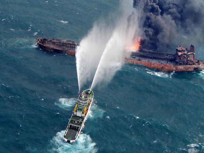 【海上事故】上海沖で炎上のタンカー、漂流して日本EEZ内に 中国当局が消火作業、鎮火せず ->画像>20枚