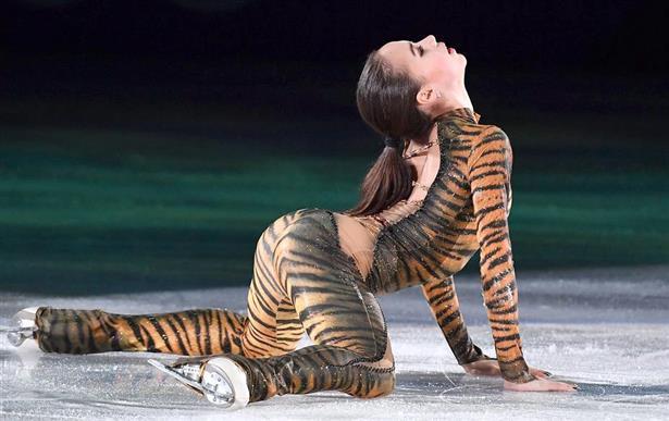 横から見た虎のザギトワ