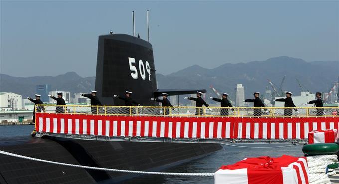 海自の最新鋭潜水艦「せいりゅう...
