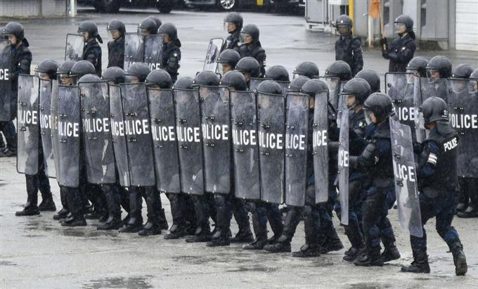 大規模警備へ訓練本格化 機動隊...
