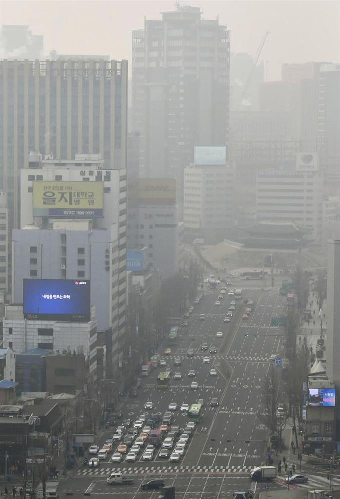 産経フォト韓国の大気汚染、今冬最悪! かすむ街、政府は外出自粛呼び掛けサイトナビゲーション韓国の大気汚染、今冬最悪! かすむ街、政府は外出自粛呼び掛けPRPRスゴい!もっと見る瞬間ランキングもっと見るPRPRRICOH THETAが記憶する景色PRPR産経スペシャル今週のトピックス話題のランキング