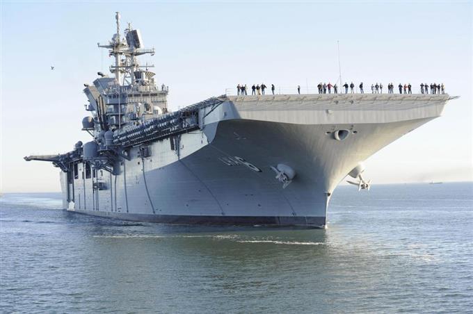 米海軍の強襲揚陸艦「アメリカ」(米海軍のホームページから)
