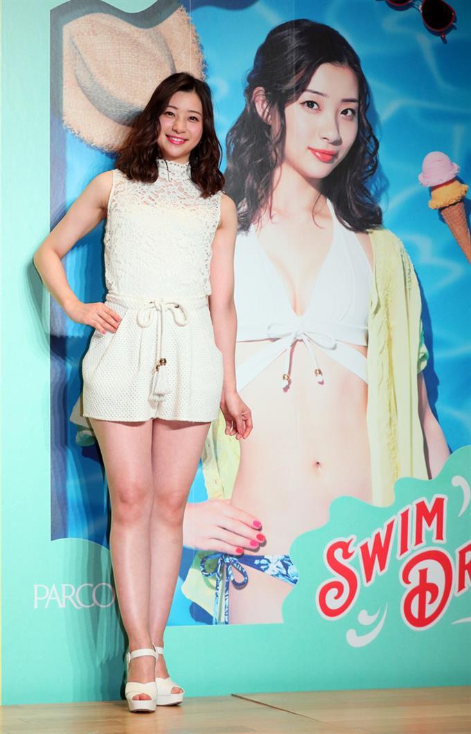 7b98716f096 「PARCO SWIM DRESS 2019」キャンペーンガールのお披露目会見に登場した足立梨花