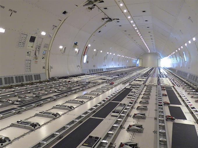 ANA、貨物専用機「ボーイング777F」公開【360°パノラマ】 - [産経 ...