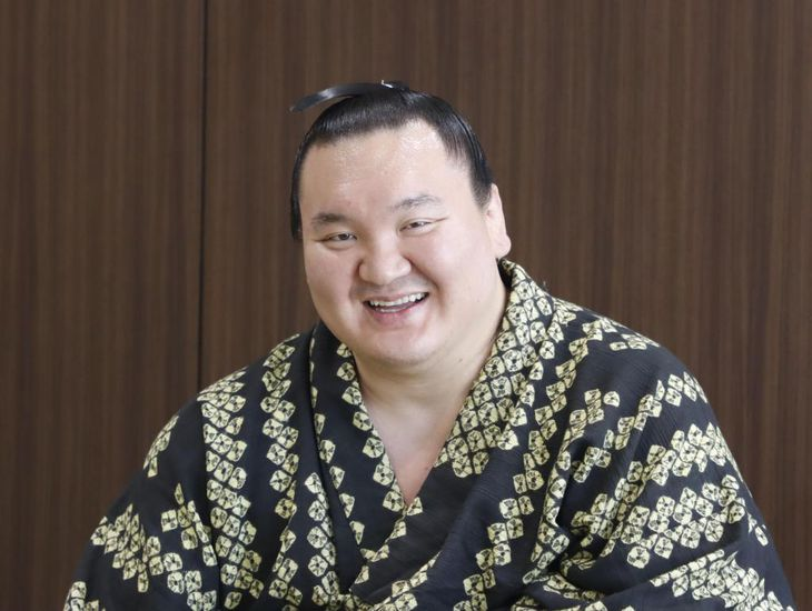 横審・矢野委員長(円内)の苦言も白鵬には馬耳東風だ(日本相撲協会提供)