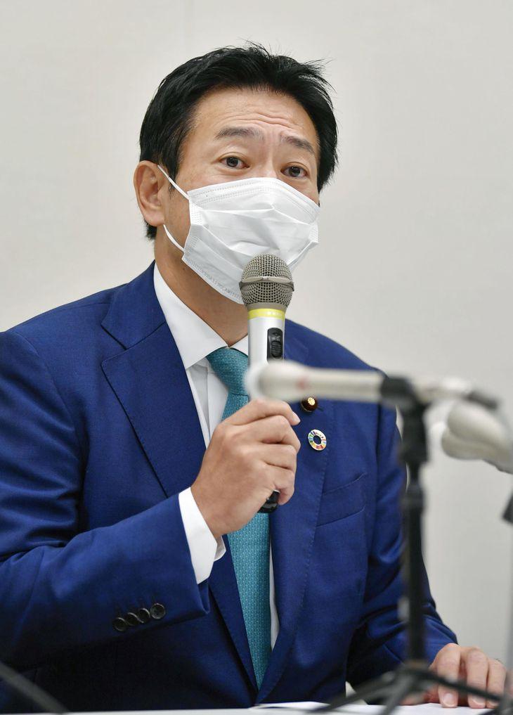 記者会見する、IR事業を巡る汚職事件で実刑判決を受けた衆院議員秋元司被告=9日午前、国会