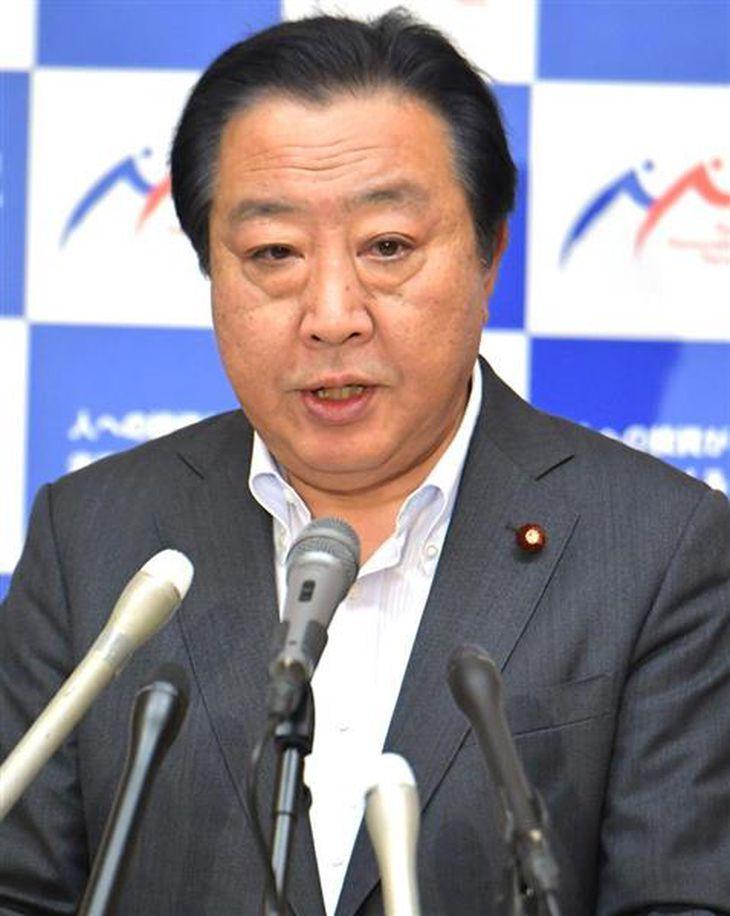 記者会見する民進党の野田佳彦幹事長=31日午後、国会内(斎藤良雄撮影)
