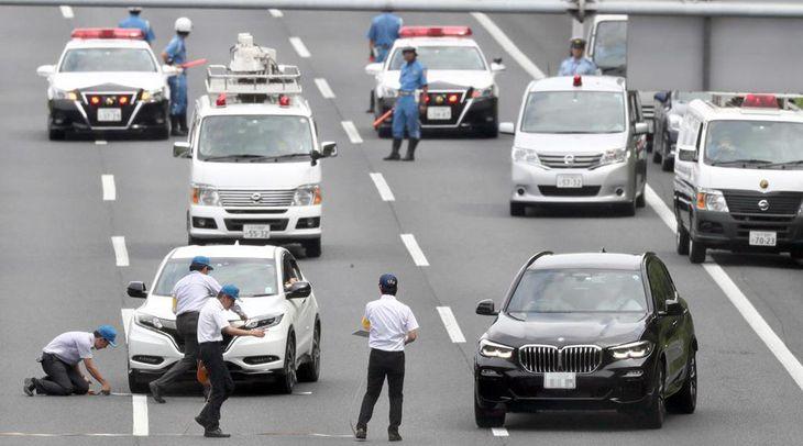 常磐自動車道で起きたあおり運転殴打事件の実況見分=昨年8月31日、守谷市(桐山弘太撮影、一部画像処理しています)