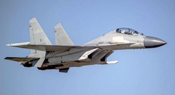 中国の戦闘機「殲16」(台湾国防部提供・共同)