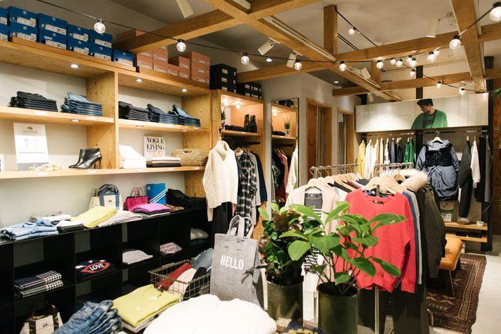 ワールドが終了する7ブランドのうちの一つで、女性用ジーンズなどを販売する「ジェット」の売り場