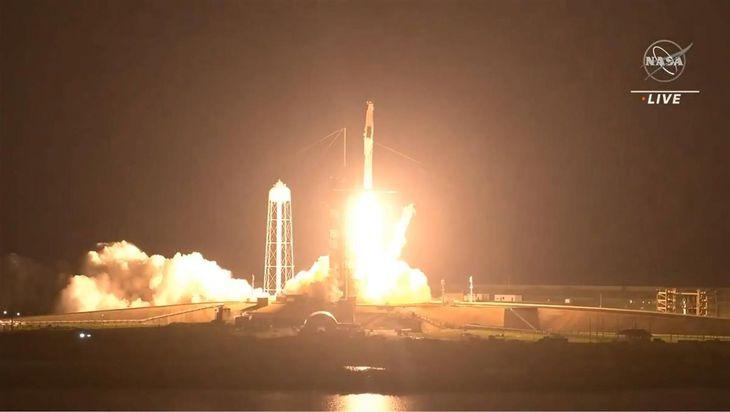 星出さん搭乗の米新型宇宙船 打ち上げ成功