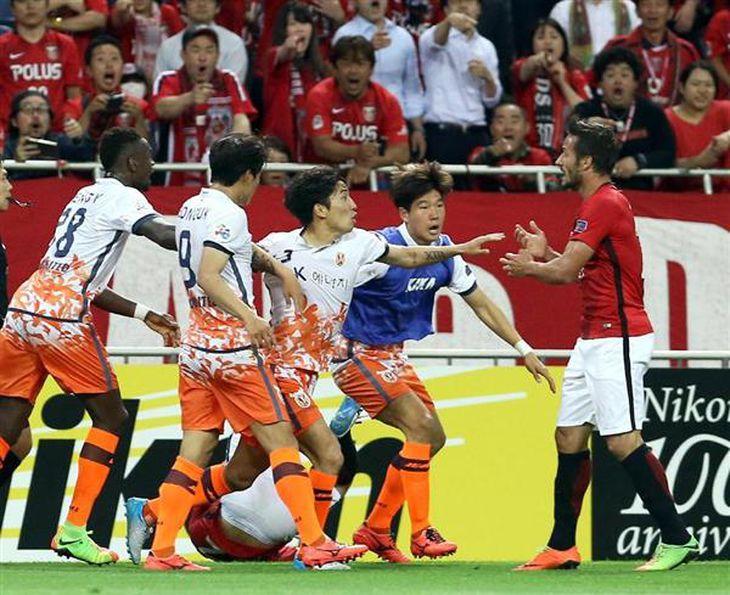 【スポーツなんでやねん】韓国サッカー界また暴力沙汰、浦和戦で大暴走…うやむやな裁定が済州の暴挙を招いたのでは?