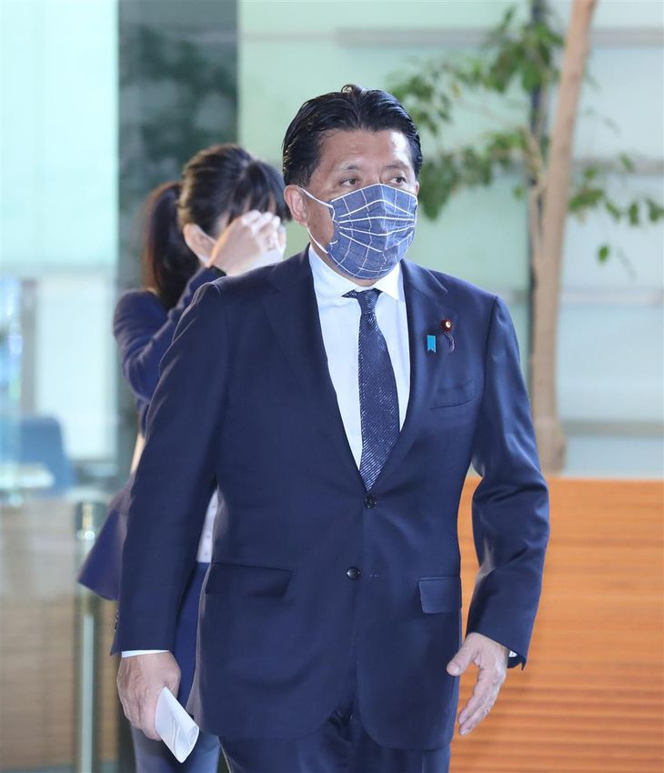 平井卓也デジタル改革担当相=10日午前、首相官邸(春名中撮影)