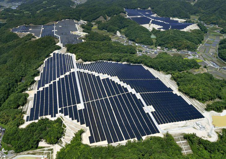太陽光発電所=6月、岡山県赤磐市