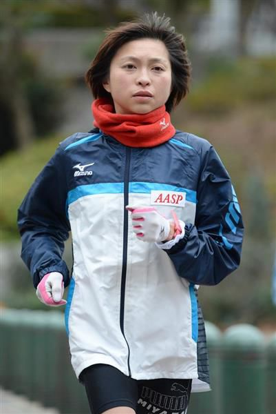 トレーニングをする選手時代の原裕美子被告=平成26年1月、東京都新宿区(寺河内美奈撮影)