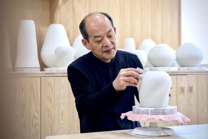 「工芸の郷」づくりを提唱している人間国宝の前田昭博さん(田中良子さん撮影)