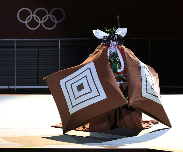市川海老蔵のパフォーマンス=国立競技場(撮影・松永渉平)