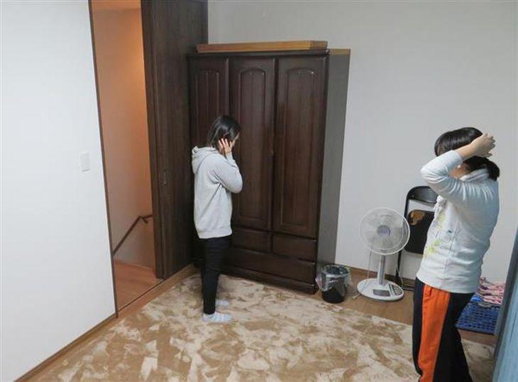就寝中の川上幸伸さんが襲われた部屋。家族が今も暮らしている=大阪府門真市
