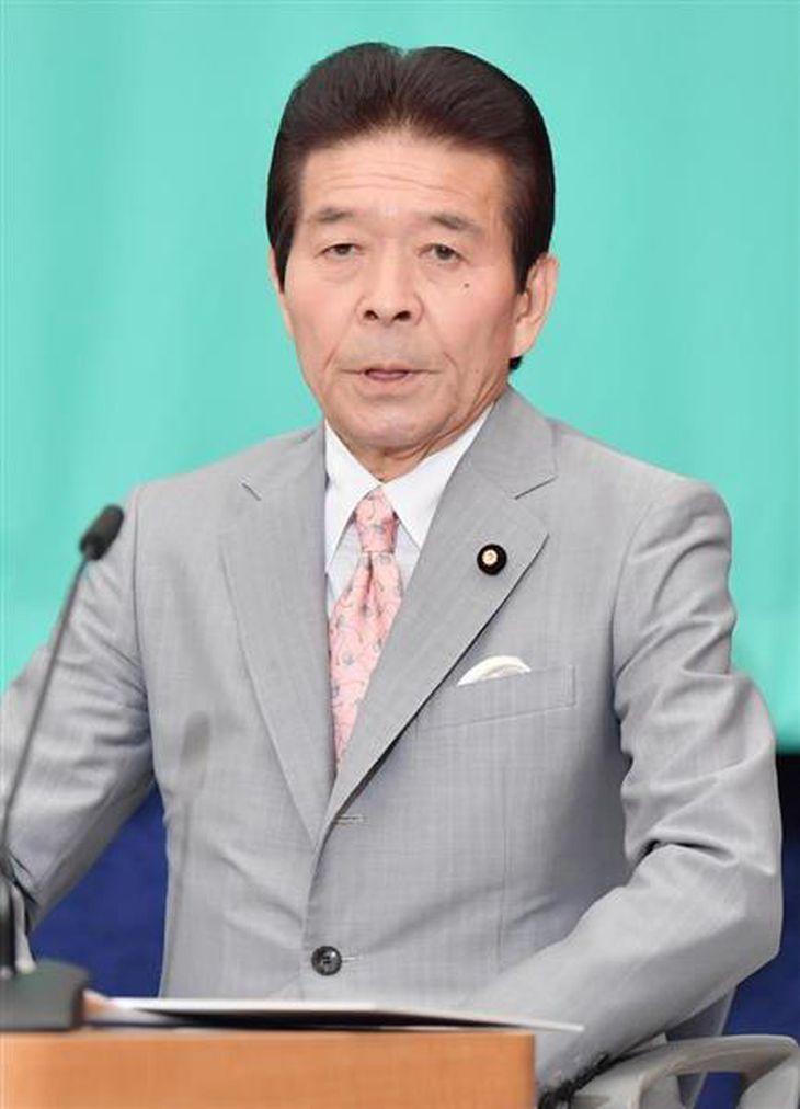 党首討論会に臨む、日本のこころの中野正志代表=8日午後、東京都千代田区のプレスセンター(宮崎瑞穂撮影)