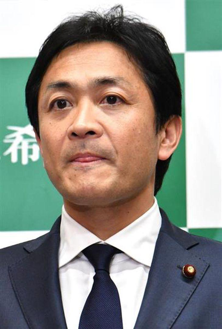 記者会見する希望の党の玉木雄一郎代表=16日午後、国会内(斎藤良雄撮影)