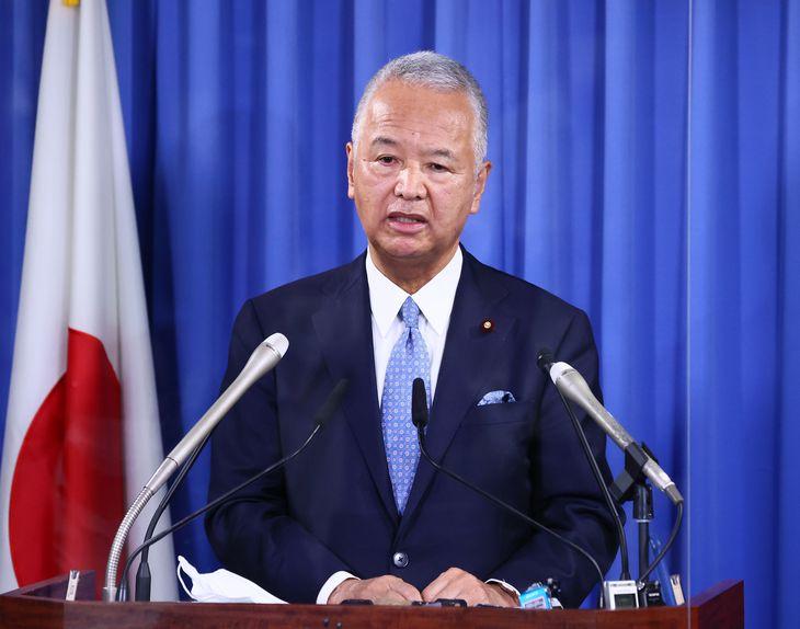 自民党の甘利明幹事長(春名中撮影)