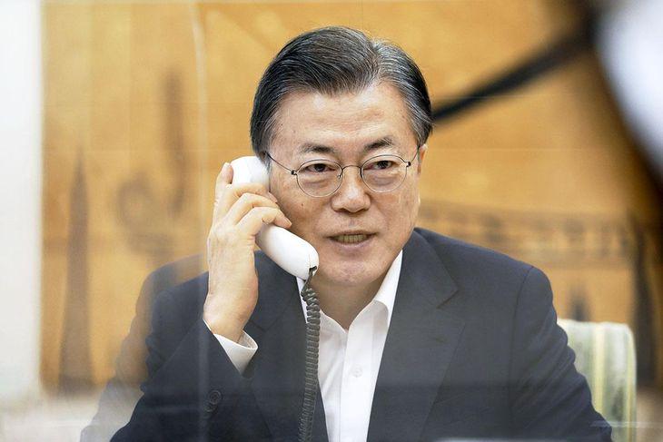 韓国の文在寅大統領=ソウル市内(韓国大統領府提供・共同)