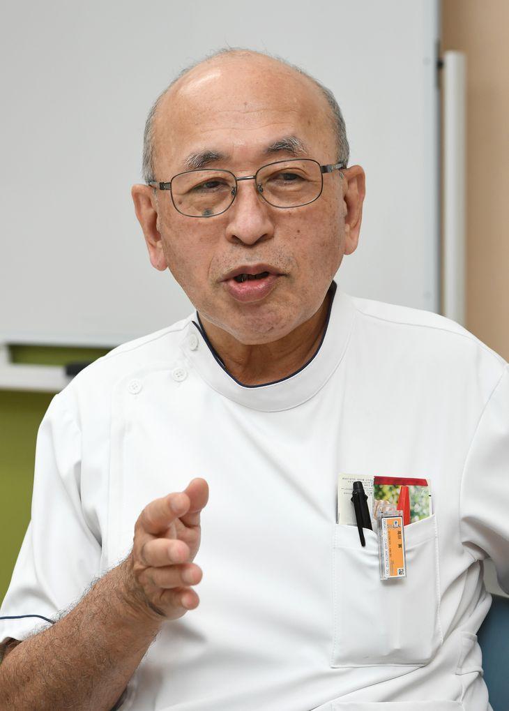 インタビューに答える阪和第二病院の高田実副院長=6日午後、大阪市住吉区(柿平博文撮影)