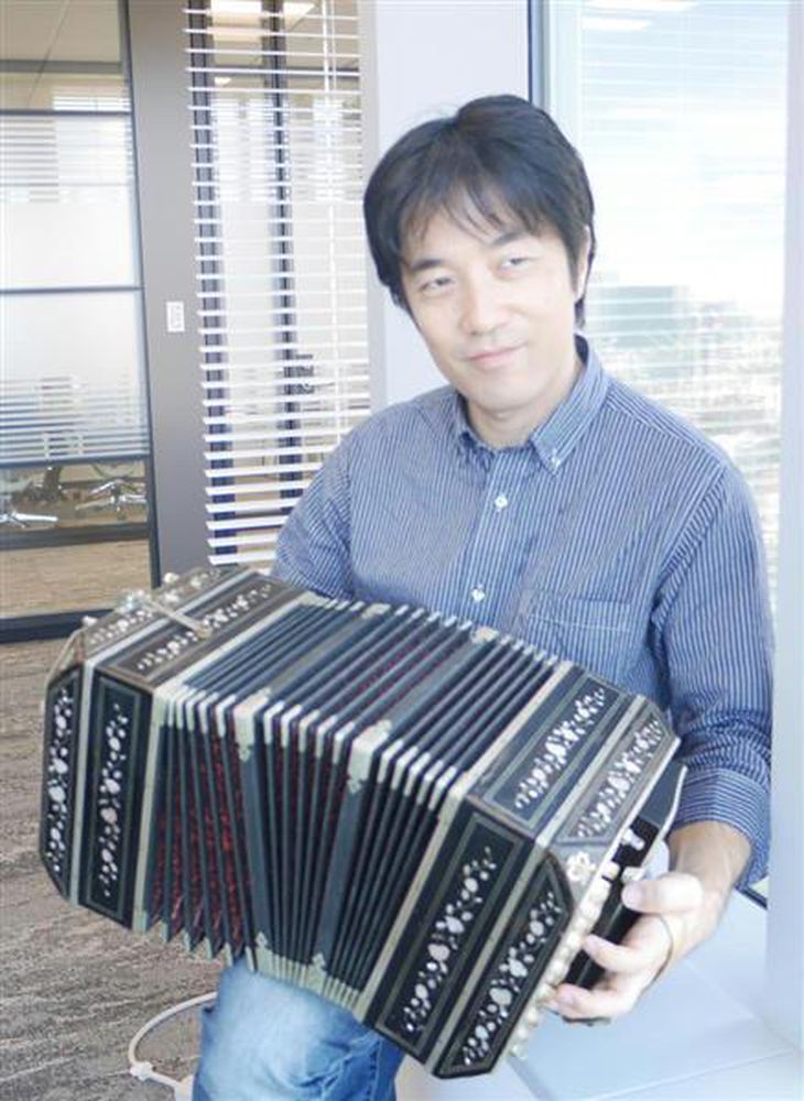 バンドネオン奏者・小松亮太