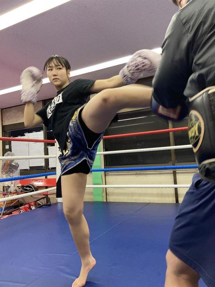 プロキックボクサーは女子高生 17日の「RISE148」出場 茨城の塚本紗彩さん