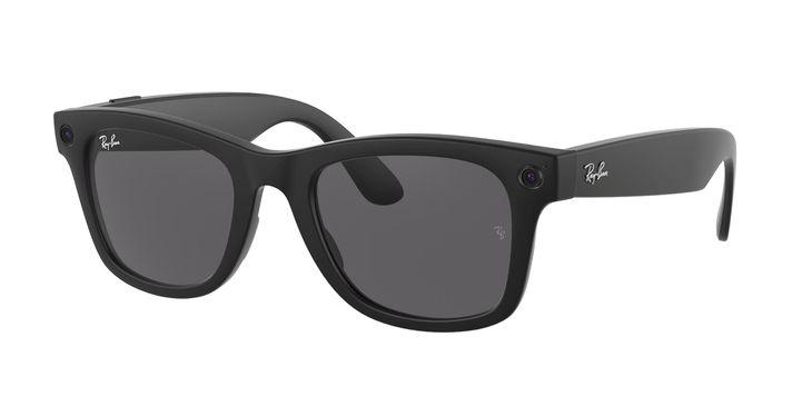 フェイスブックが発売した眼鏡型端末(ロイター)