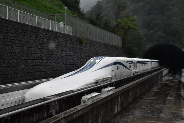 リニア中央新幹線の試験車両=令和2年10月、山梨県都留市(田中万紀撮影)