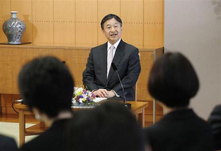 記者会見される皇太子さま=21午後、東京・元赤坂の東宮御所(代表撮影)