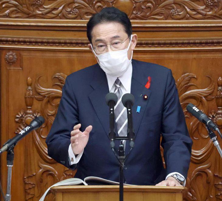 所信表明演説を行う岸田首相=衆院本会議場