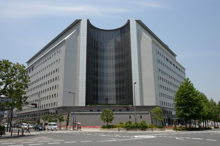 大阪府警本部=大阪市中央区