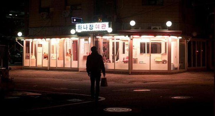 かつてはピンク色のネオンに彩られていたソウル・清凉里の風俗街(撮影者:八木澤高明)