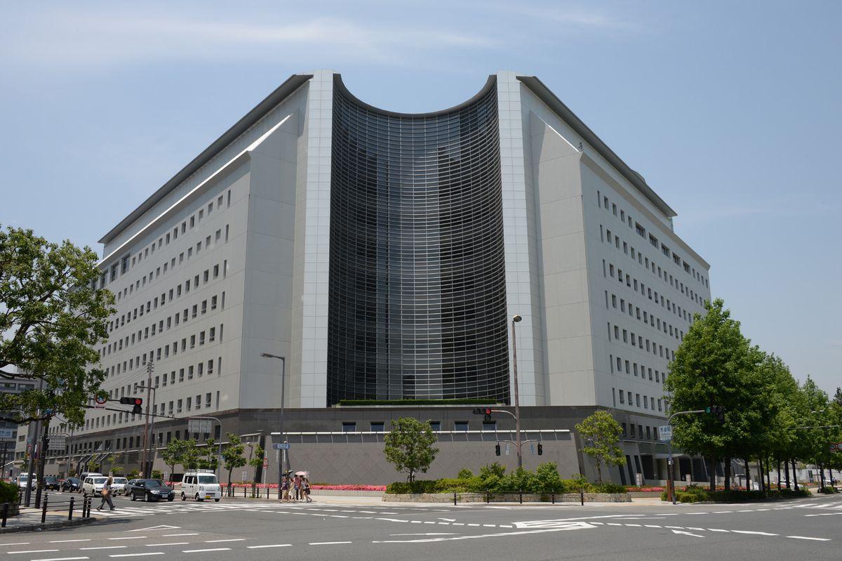 大阪府警察本部=大阪市中央区